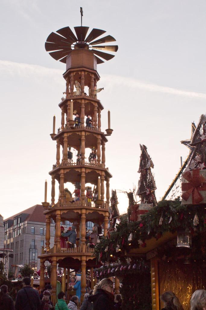Dresdener Striezelmarkt Pyramide