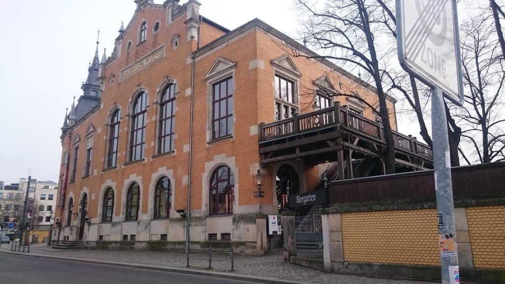 Probiert doch ma das lecker Watzke-Bier im Ball- und Brauhaus Watzke, auf der Kötzschenbroder Straße 1