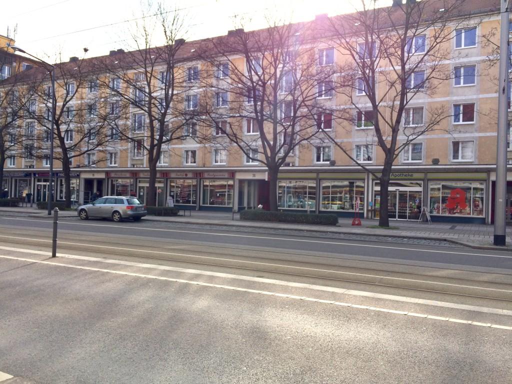 ein typischer Neubaublock in Striesen-Ost