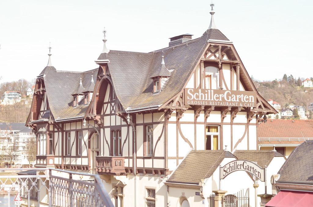 In bester Lage, genau neben dem Blauen Wunder, findest du den Schillergarten