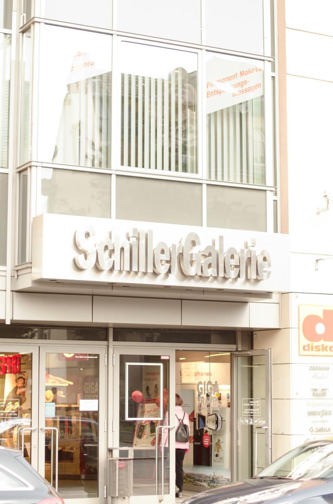 In der Schillergalerie, direkt am Schillerplatz, findest du alles für deinen täglichen Bedarf