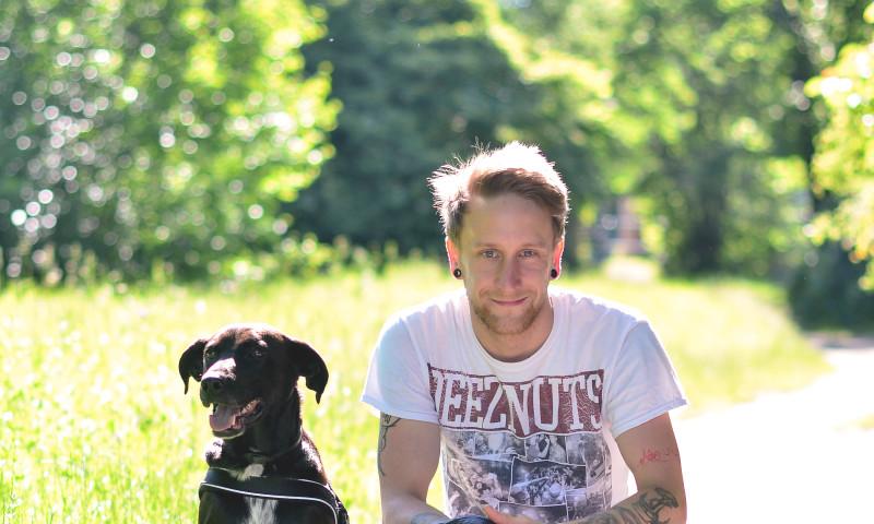 Blog Bild Ricardo mit Hund