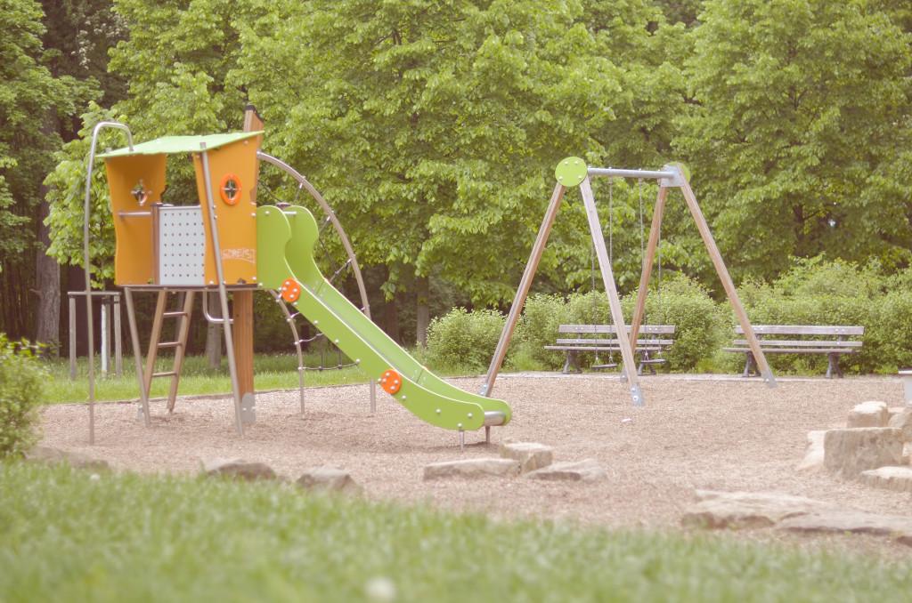 Im Leutewitzer-Park warten drei Spielplätze darauf von den Kleinen entdeckt zu werden.