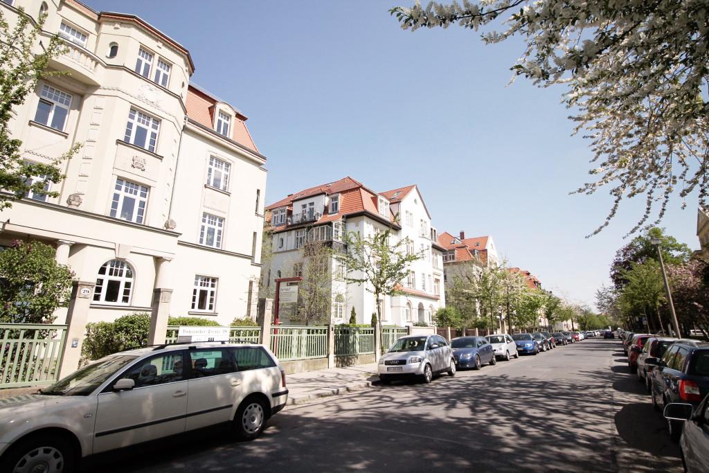 In der Südvorstadt findest du einen guten Mix an historischen Villen und Bauten aus den 60er Jahren.