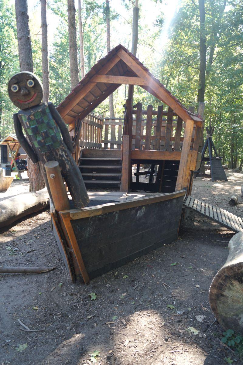 Der Waldspielplatz Albertpark bietet Spaß und Spannung in der Natur