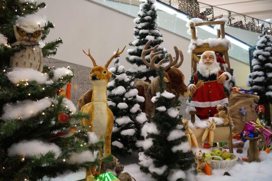 Die liebevoll gestaltete Weihnachtswelt zieht nicht nur die Kleinen in ihren Bann