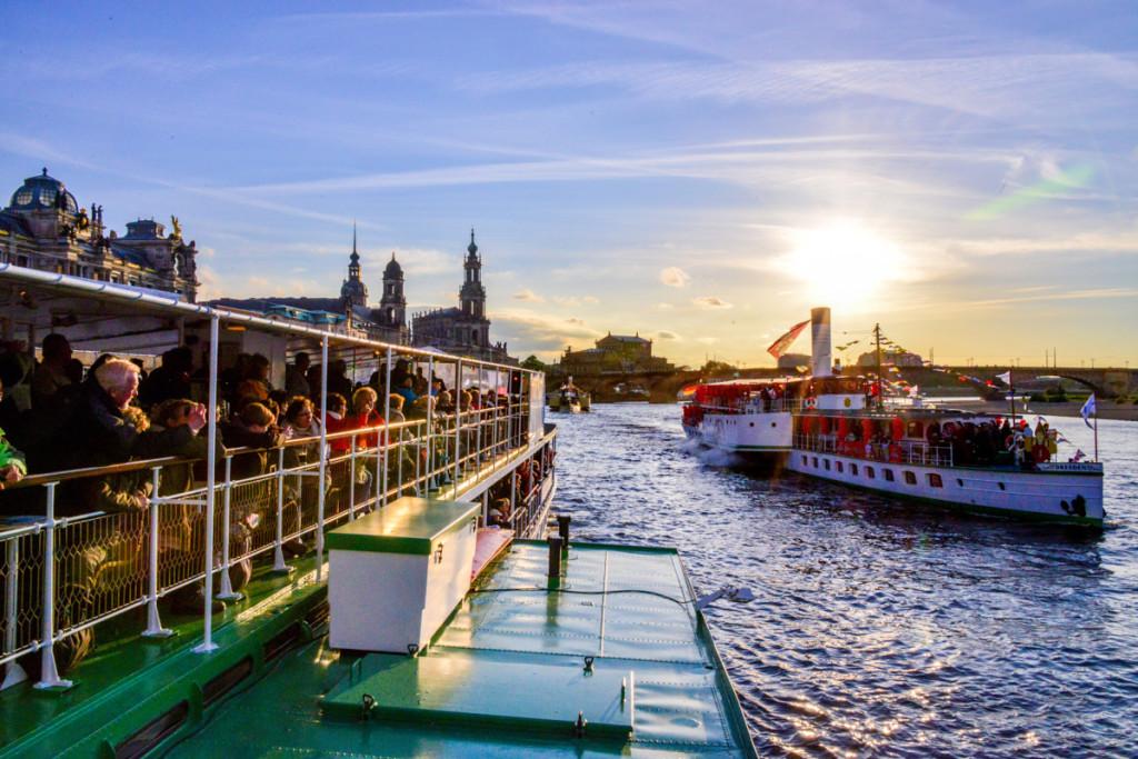 Das Riverboat-Shuffle ist eines der schönsten Erlebnisse des Dixielandfestivals. Foto © by Hendrik Meyer
