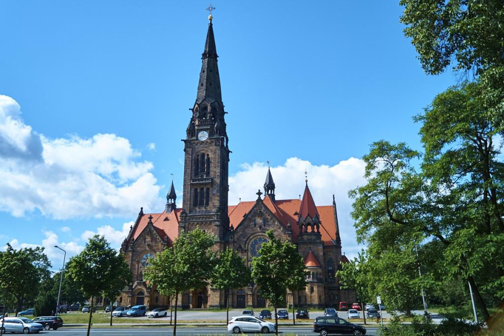 Die beeindruckende Garnisonskirche der Albertstadt wurde im neoromanischen Stil erbaut