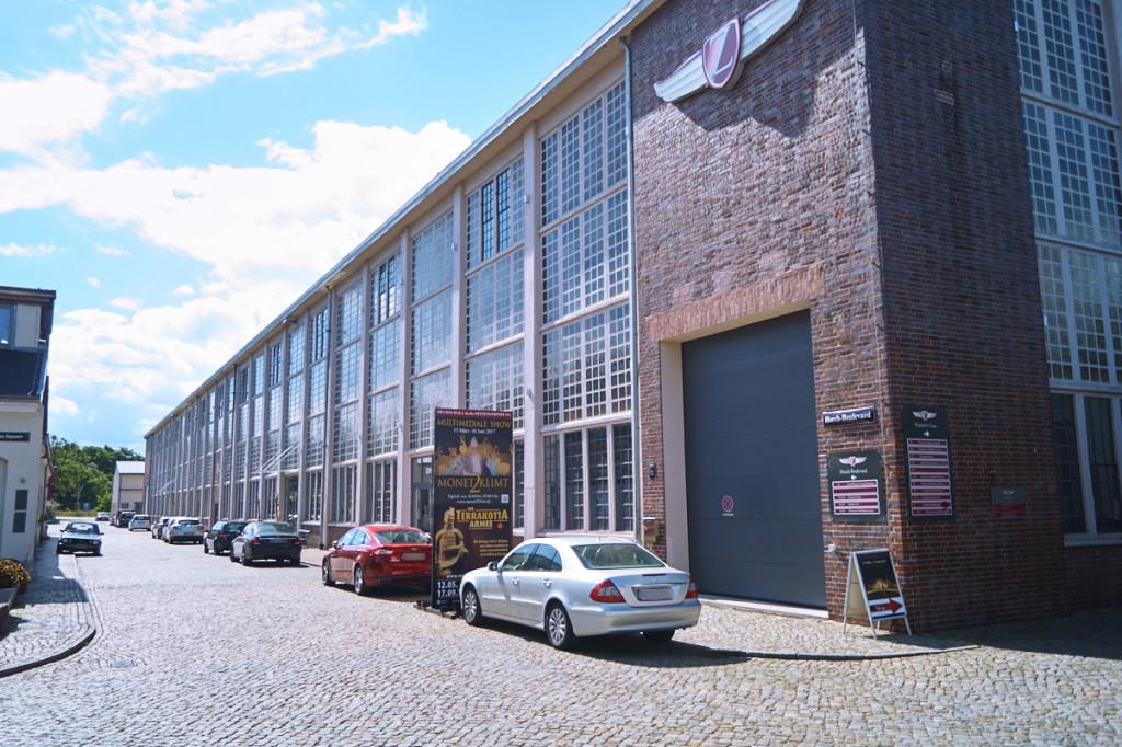 Im Gebäude Zeitenströmung findet die Ausstellung der Terrakottaarmee statt!