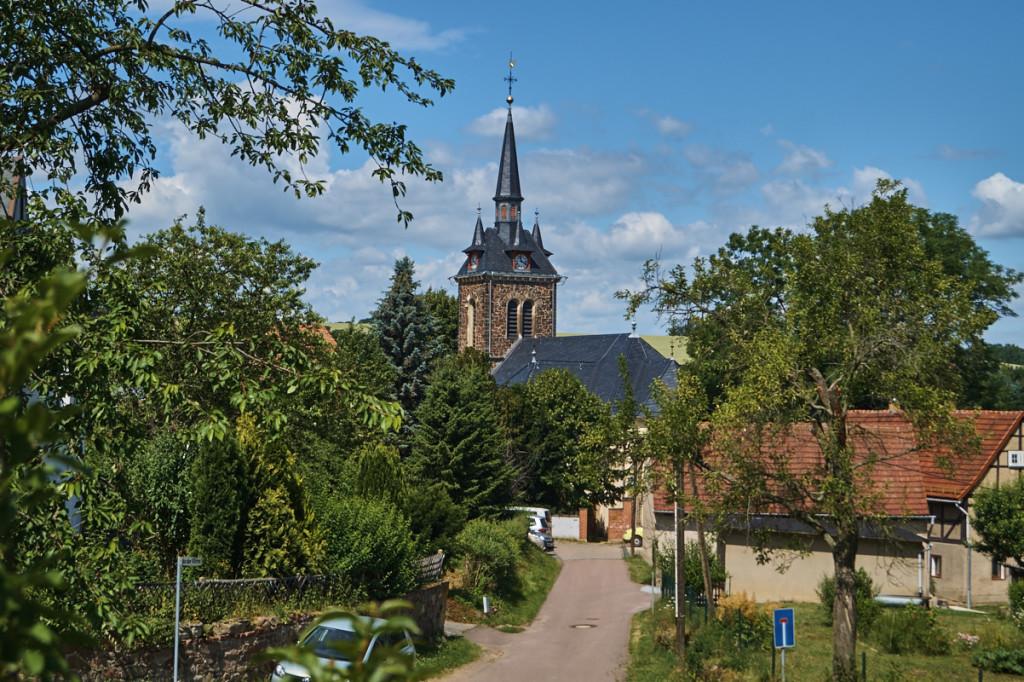 Die St.-Nikolaus-Kirche in Constappel.
