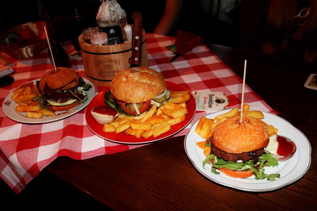 Gigantische Burger-gigantisch lecker.