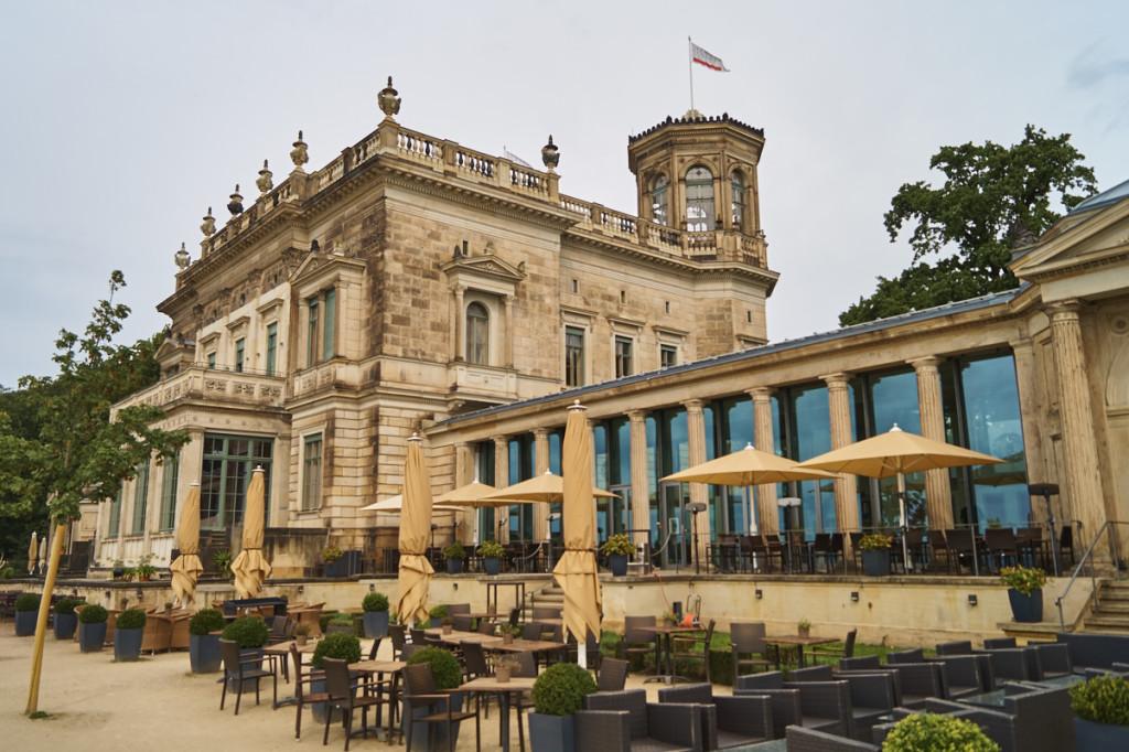 Das Lingnerschloss bezaubert mit einem wundervollen Park und herrlichen Blick über Dresden!