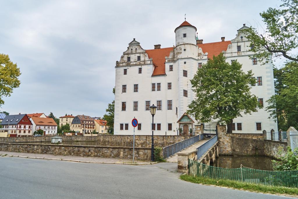 In Schönfeld kannst du im Kabinett der Magischen Künste stündlich Zaubershows sehen!