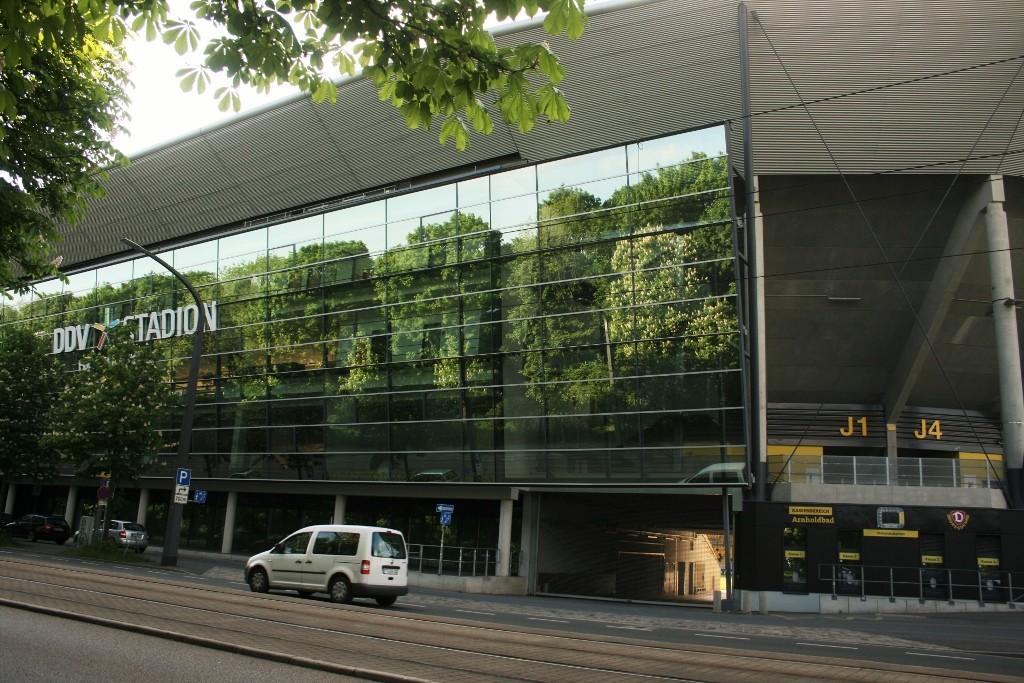 Das Dynamostadion am Lenneeplatz.