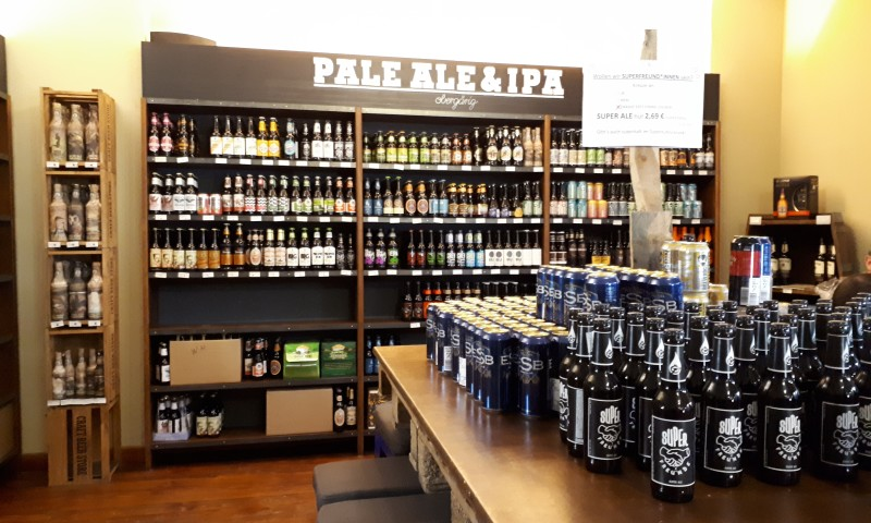 Wir haben auch super Läden mit großer Bier-Auswahl.