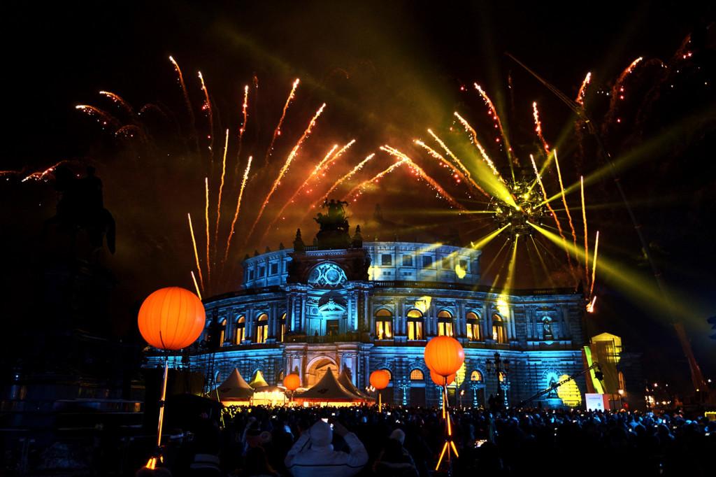Das Feuerwerk zum Semperopernball ist wirklich beeindruckend!