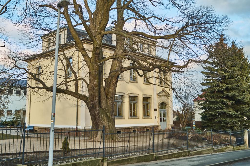 Die 74. Grundschule in Gompitz