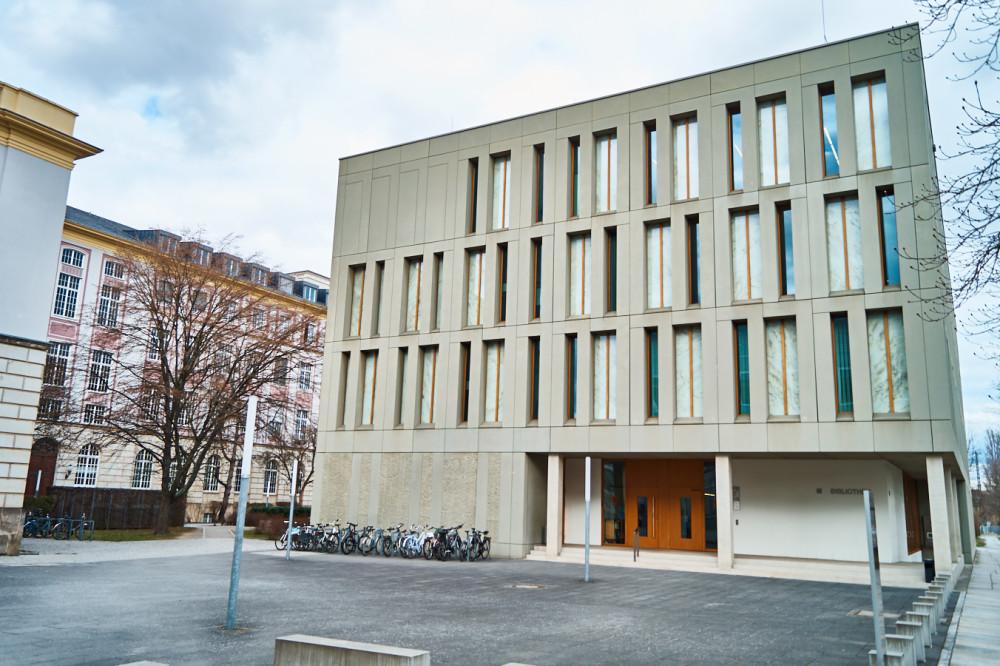 bibliothek dresden kulturpalast
