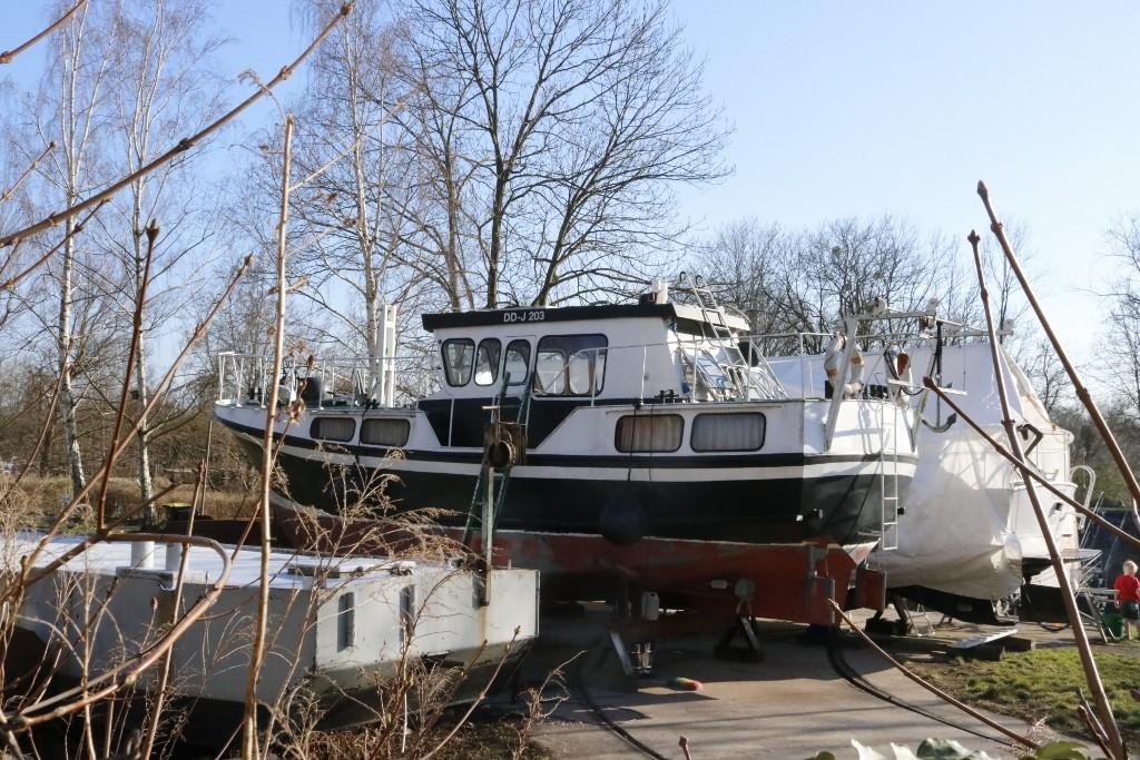 Dresden_Loschwitz_Hafen_Motorboot