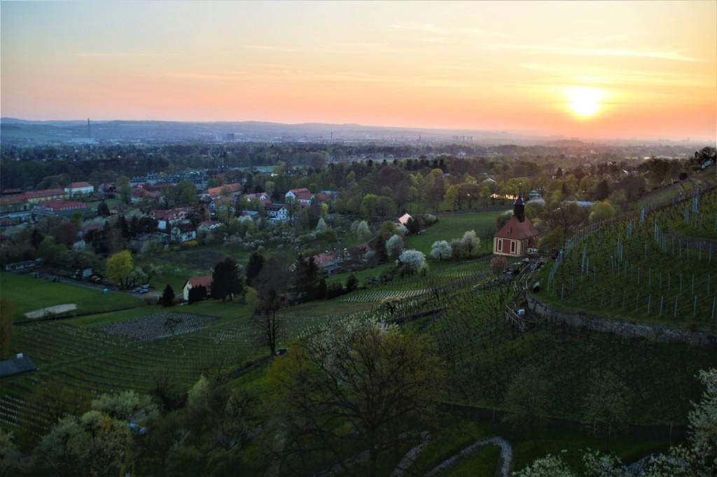 Der atemberaubende Blick auf Pillnitz und die Weinbergkirche