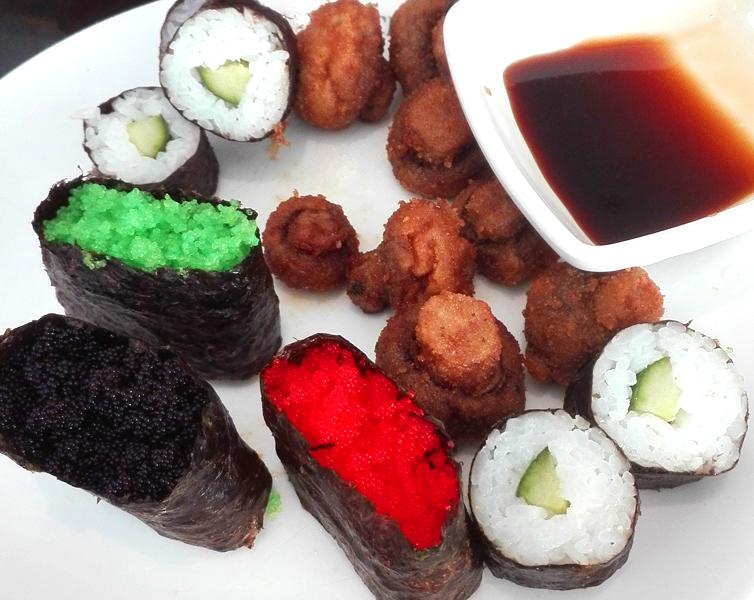 Im Dschingis Khan kannst du soviel Sushi und Kaviar essen wie du möchtest!