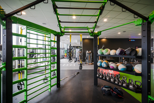 © Fitness First