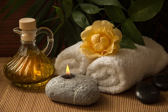 Der Einsatz von verschiedenen Ölen ist bei Massagen von besonderer Bedeutung.