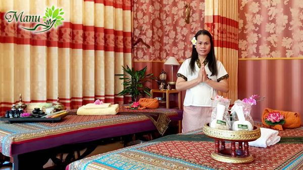 Besonders die Hot-Stone-Massage und die Kräuterstempelmassagen sind bei Manu Thaimassage sehr zu empfehlen!