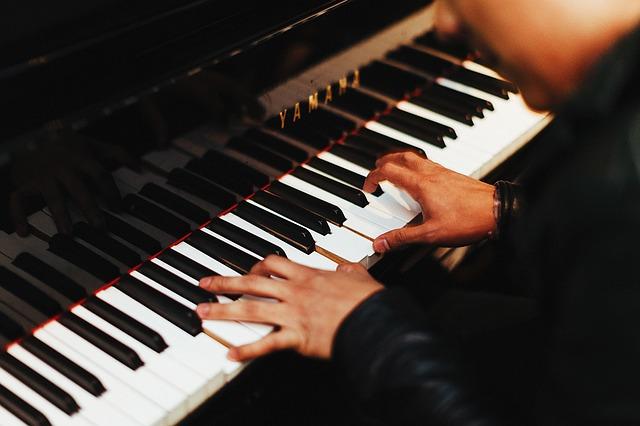 Du möchtest Klavier lernen? An der Tastenschule ist das kein Problem!