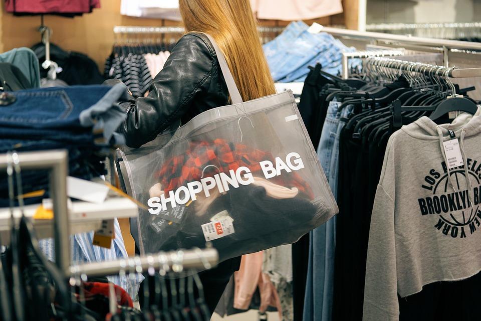 Shoppen liebt doch wirklich jede Frau, oder?