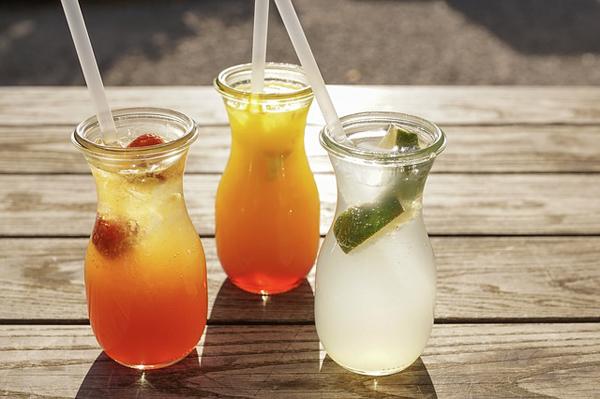 Lust deinen eigenen Cocktail zu entwerfen? Hier kannst du es lernen.