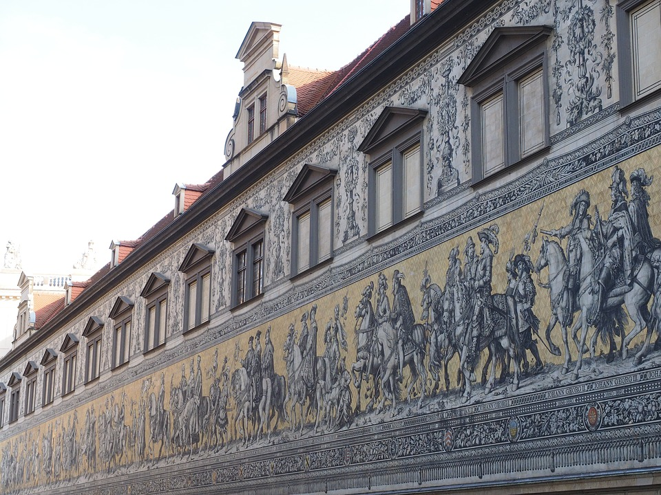 Der Fürstenzug aus Porzellan.