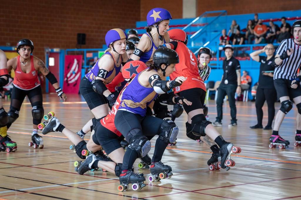 Dresden Pioneers (lila) vs. Rockin' Rollers bei einem Tournament in Paris | Foto: Jürgen Ziegler