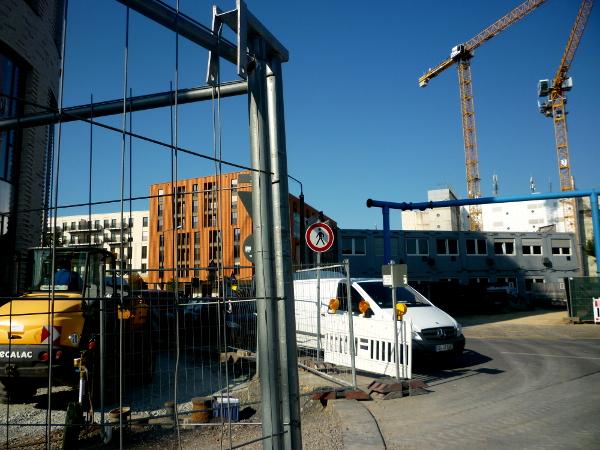 Eine Baustelle neben der nächsten auf dem Postplatz.