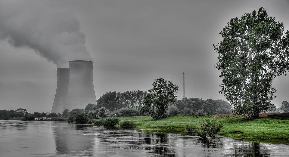 Atomkraftwerke werden für die Herstellung der E-Scooter genutzt.