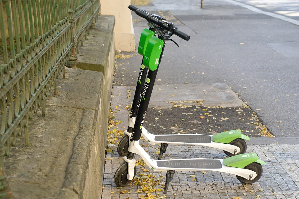 lime_Scooter_roller