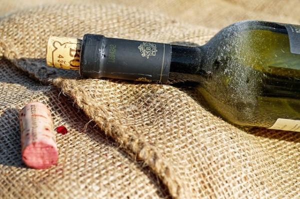 Weinhandlungen und Weinverkostungen.Flasche